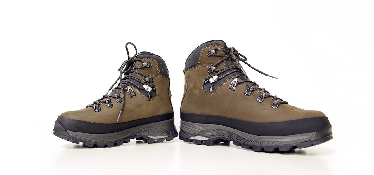 通販 登山靴 大きい 小さい